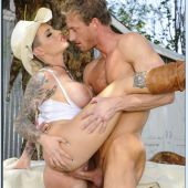 christy-mack-00075